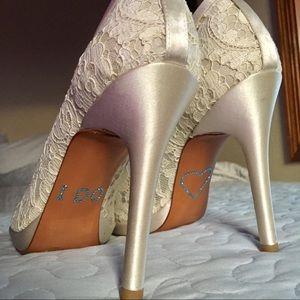 NWT Stuart Weitzman wedding bling lace heels 9M 9